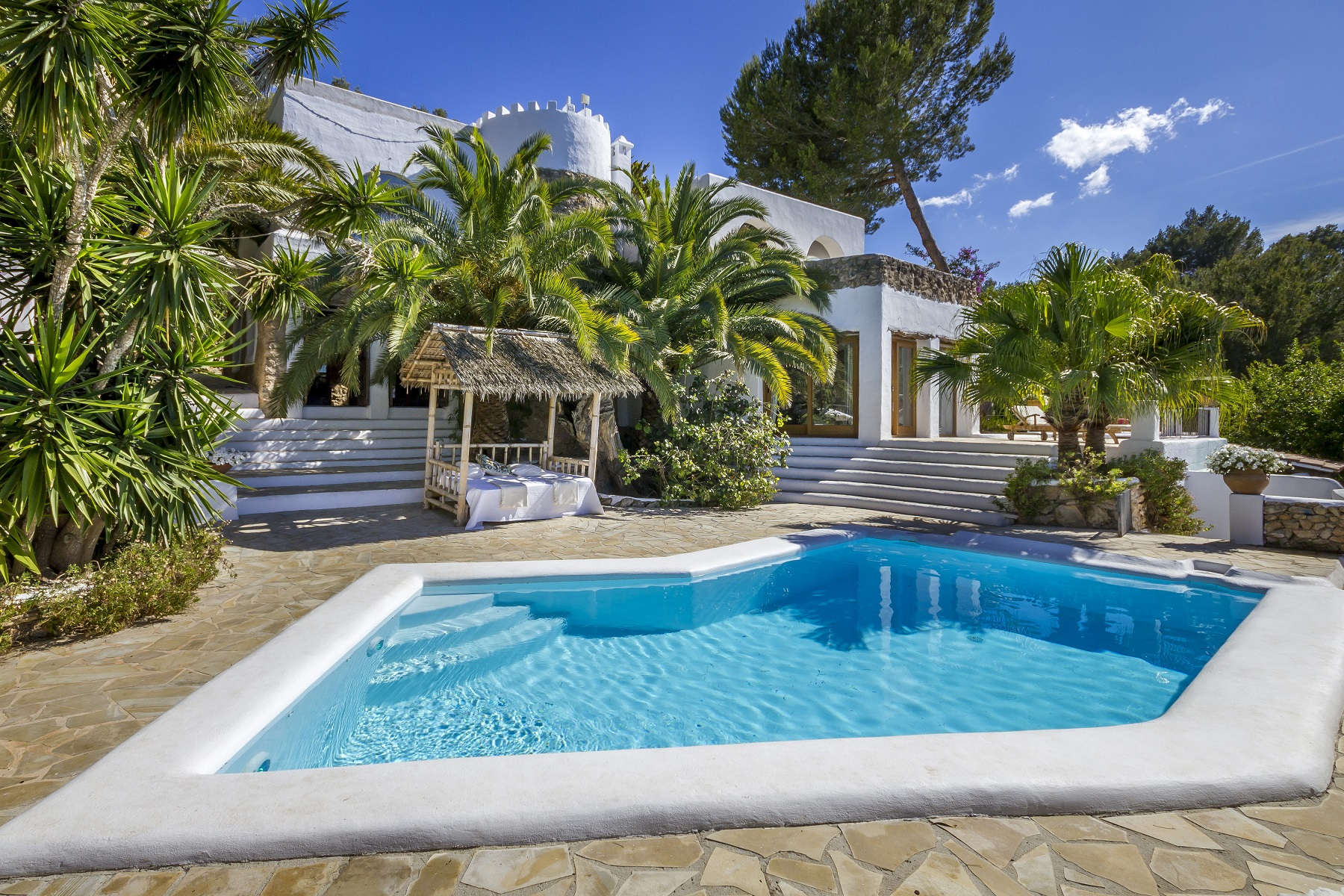 Villa Fantasy - 8 Bedroom Property for sale in Ibiza - white-island.com