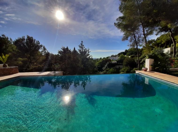 Villa Sirocco - A 6 bedroom property for sale in Ibiza