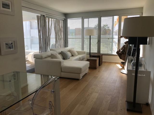 Ikebana apartment living room for sale